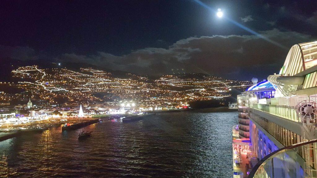 Madeira Funchal bei Nacht Kreuzfahrt