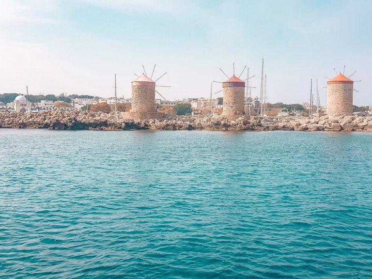 rhodos stadt mandraki hafen windmühlen